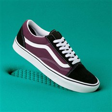 Schuhe VANS - Comfycush Old Skool (Sport)Blk/Prune/True Wht (V9W)